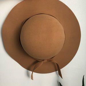 Other - Wide brim hat
